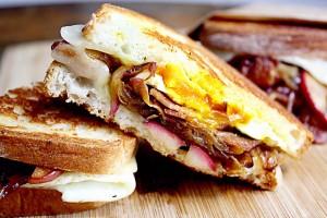 sendvic jaja i slanina